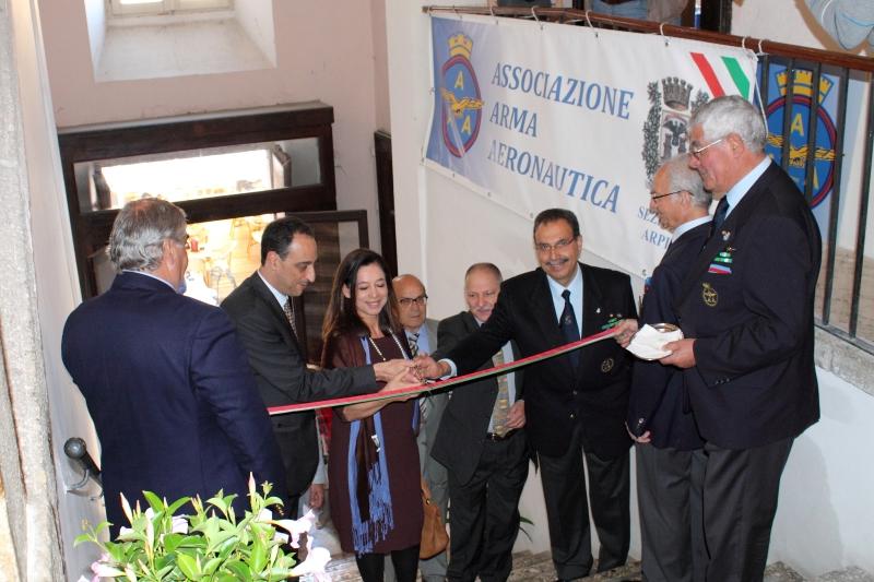 Inaugurazione mostra da sx a dx Sindaco, dott.ssa Gasbarra, prof. D'Emilia, Prof. Bove e Col. Rea
