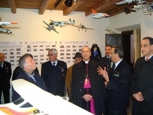 visita Vescovo Mostra aeronautica arpino